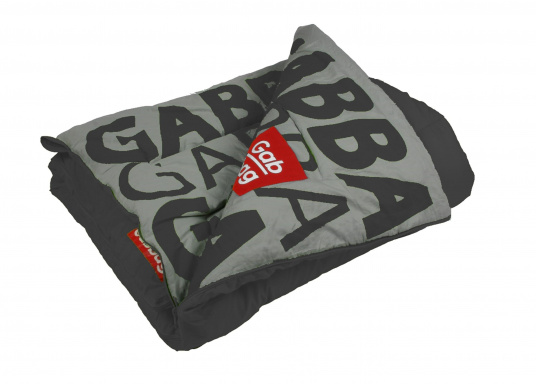 TheGabbag® is versatile! The colorful sleeping bags are made of strong cotton and are also used as a blanket. The two-way zipper provides maximum ventilation, the hollow fiber ensures pleasant warming and insulation.  (Image 2 of 4)