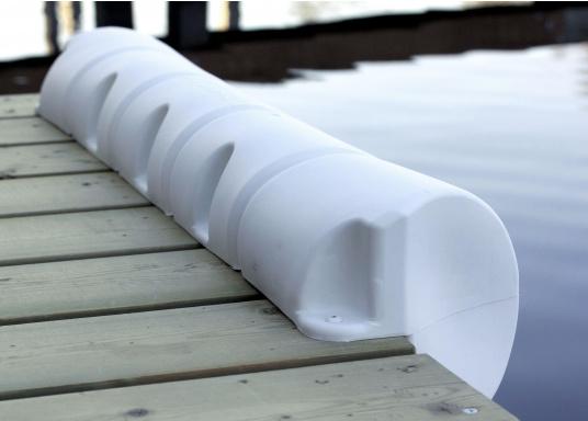 Sicheres und unbeschwertes Anlegen auch bei starker Strömung und Seitenwind. Diese Bumperfender sind wahre Stoßstangen für Ihr Schiff und die Steganlage. (Bild 2 von 6)