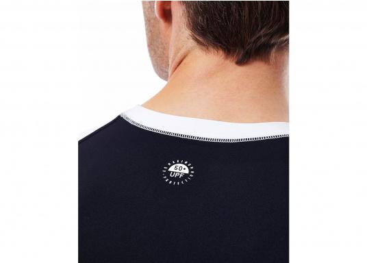 Das Langarm-Shirt RASHGUARDS gibt zusätzliche Wärme. Mit einem Schnellverschluss ist das Anziehen einfach, das verwendete Stretch-Gewebe gewährleistet optimalen Tragekomfort. (Bild 2 von 6)
