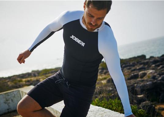 Das Langarm-Shirt RASHGUARDS gibt zusätzliche Wärme. Mit einem Schnellverschluss ist das Anziehen einfach, das verwendete Stretch-Gewebe gewährleistet optimalen Tragekomfort. (Bild 5 von 6)