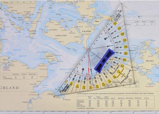 Navigare senza translazione: il lavoro di carteggio è reso più preciso e facile! Le squadrette nautiche presentano una scala bicolore in modo che il corso può essere letto in latitudine e longitudine. (Immagine 4 di 4)