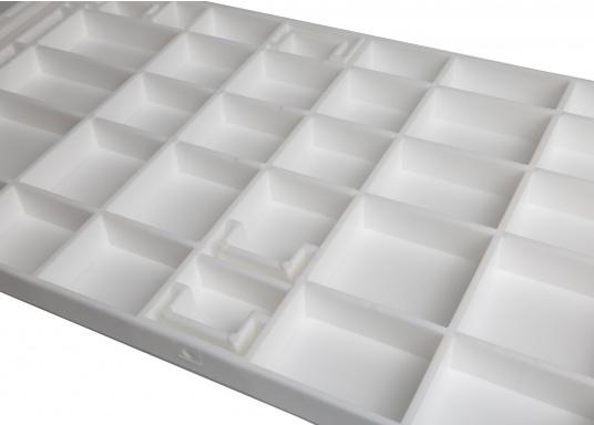 Banc dos à dos avec similicuir et cadre plastique. Deux places. La surface du banc peut être étendue jusqu'à 166 cm pour s'allonger. (Image 12 de 14)