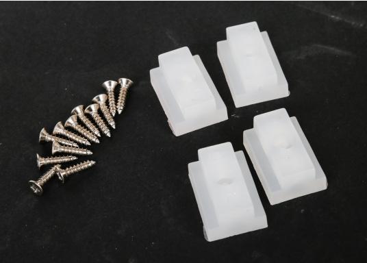 Banc dos à dos avec similicuir et cadre plastique. Deux places. La surface du banc peut être étendue jusqu'à 166 cm pour s'allonger. (Image 14 de 14)