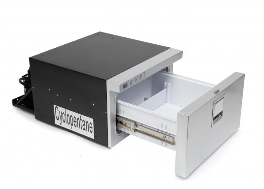Neue, platzsparende Kühlschublade mit Edelstahlfront in zeitlosem Design. Kann selbst unter begrenzten Platzverhältnissen problemlos eingebaut werden. Mit digitalem Display.