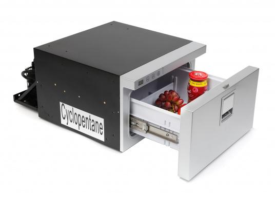 Neue, platzsparende Kühlschublade mit Edelstahlfront in zeitlosem Design. Kann selbst unter begrenzten Platzverhältnissen problemlos eingebaut werden. Mit digitalem Display. (Bild 2 von 11)
