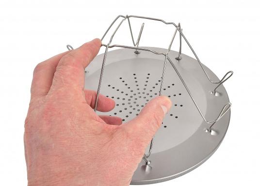 Kann auf jedem Benzin-, Petroleum- und Gaskocher verwendet werden. Für bis zu vier Toastscheiben konzipiert. Über der Kocherflamme positionieren, Kocher nicht zu heiß einstellen und dann endlich einen knusprigen Toast zum Frühstück genießen. (Bild 5 von 6)