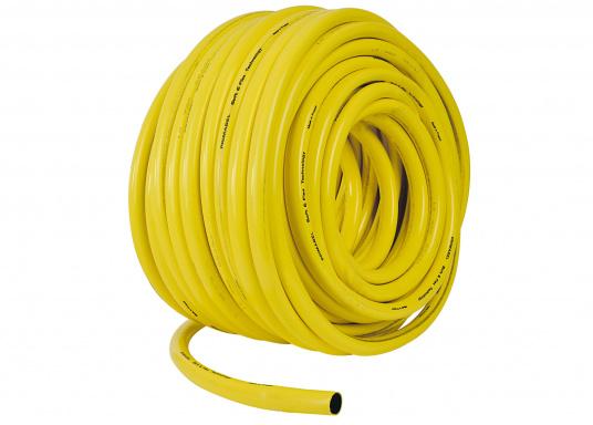 Flexibler, mehrschichtiger Wasserschlauch mit wabenförmiger Struktur. Der aus PVC bestehende Außenmantel bietet eine sehr gute UV-Beständigkeit und sorgt für ein gutes Handling.Der Schlauch ist formstabil. (Bild 2 von 3)