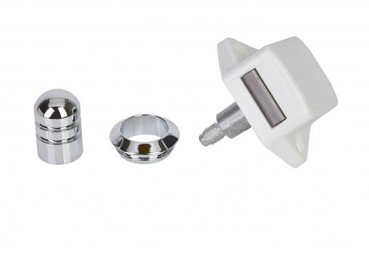 Runder Druckschnapper, verchromt. Für Türstärken von 17 mm. Einbaudurchmesser: 20 mm. Einbautiefe: 20 mm. Lochabstand: ca. 36 mm.
