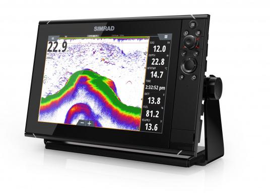 Navigieren, Kontrolle übernehmen und die enorme Funktionsvielfalt optimal ausnutzen – mit NSS evo3. Die SolarMAX™ HD-Anzeigetechnologie bietet ein außergewöhnlich klares Bild und extrem weite Sichtwinkel. Dank allwettertauglichem Touchscreen und erweitertem Tastenfeld behalten Sie unter allen Bedingungen die volle Kontrolle. (Bild 11 von 13)