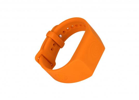 Bei dem MOB-Armband von SEATAGS handelt es sich um einen MOB-Sender, der perBluetoothmit einem kompatiblen Smartphone oder Tablet (Android oder iOS)verbunden wird. Dazu muss lediglich die kostenlose App auf dem jeweiligen Gerät installiert werden. (Bild 2 von 13)