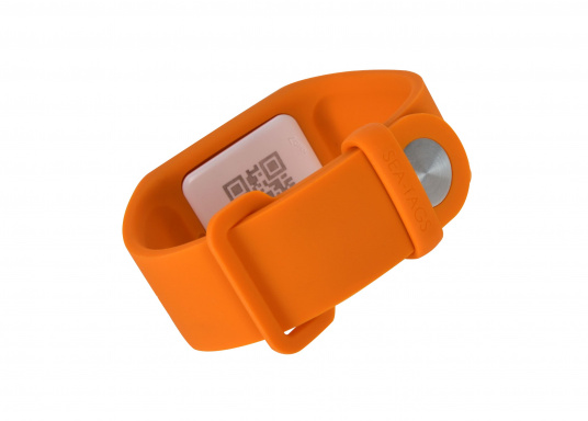 Sea-Tags wristbands continuously transmit a signal that is monitored by one or more telephones equipped with the application. If a wristband is immersed or far away, the signal is interrupted and the telephone(s) trigger an alarm and record the GPS position at the time of the incident. The system is fail safe. (Afbeelding 4 of 13)