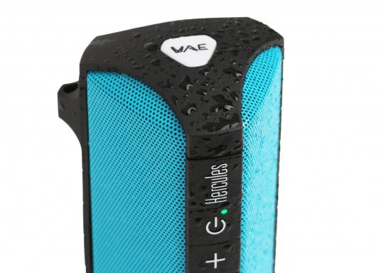 """Der vollausgestattete Funklautsprecher für all jene die sich gerne auf oder am Wasser aufhalten. Der Bluetoothlautsprecher ist Staub-, sand-, wasser-, schneedicht sowie """"Oceanproof"""" (tauchfest) und verfügt über ein eingebautes UKW-Radio! (Bild 7 von 14)"""