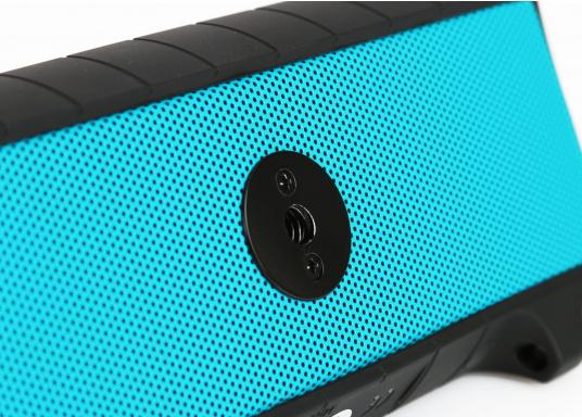 """Der vollausgestattete Funklautsprecher für all jene die sich gerne auf oder am Wasser aufhalten. Der Bluetoothlautsprecher ist Staub-, sand-, wasser-, schneedicht sowie """"Oceanproof"""" (tauchfest) und verfügt über ein eingebautes UKW-Radio! (Bild 14 von 14)"""