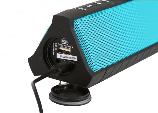 """Der vollausgestattete Funklautsprecher für all jene die sich gerne auf oder am Wasser aufhalten. Der Bluetoothlautsprecher ist Staub-, sand-, wasser-, schneedicht sowie """"Oceanproof"""" (tauchfest) und verfügt über ein eingebautes UKW-Radio! (Bild 10 von 14)"""