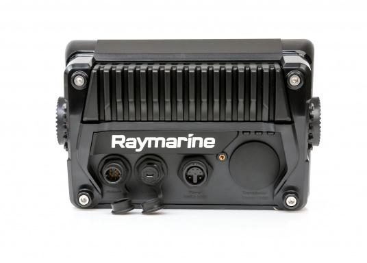 Ein leistungsfähiges neues Multifunktions-Navigationssystem von Raymarine. Mit dem neuen LightHouse 3 Betriebssystem und der glänzenden schnellen Quad-Core-Performance, wird Axiom Ihre Zeit auf das Wasser verändern. Im Lieferumfang ist eine Navionics+ Small Download Seekarte enthalten. (Bild 5 von 9)