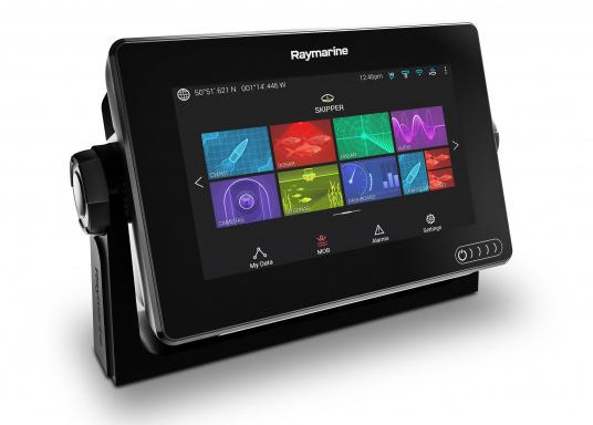 Ein leistungsfähiges neues Multifunktions-Navigationssystem von Raymarine. Mit dem neuen LightHouse 3 Betriebssystem und der glänzenden schnellen Quad-Core-Performance, wird Axiom Ihre Zeit auf das Wasser verändern. (Bild 6 von 10)