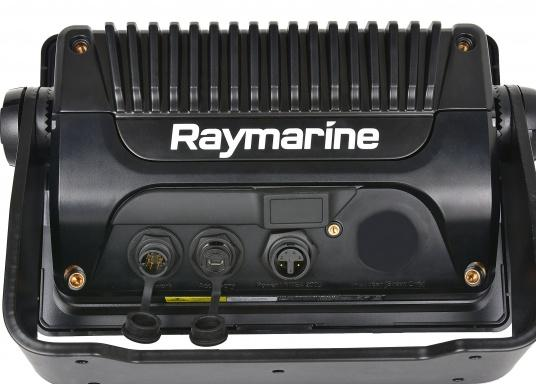 Ein leistungsfähiges neues Multifunktions-Navigationssystem von Raymarine. Mit dem neuen LightHouse 3 Betriebssystem und der glänzenden schnellen Quad-Core-Performance, wird Axiom Ihre Zeit auf das Wasser verändern. Im Lieferumfang ist eine Navionics+ Small Download Seekarte enthalten. (Bild 6 von 9)