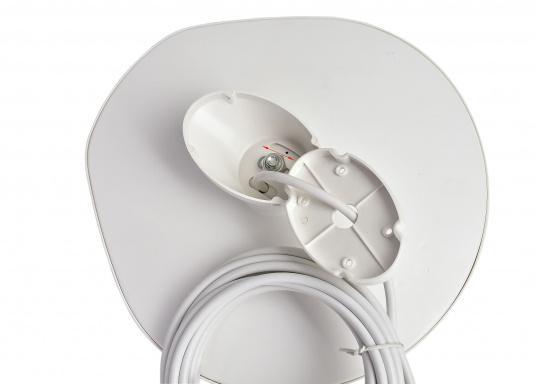Omnidirektionale DVB-T-Antenne im kompakten Design mit geringem Gewicht. Der integrierte, rauscharme Verstärker verhilft zu satten 24,5 dB Gewinn und sorgt für exzellenten Empfang auf Booten und Fahrzeugen aller Art. Kann auch als Indoor-Antenne verwendet werden. (Bild 3 von 4)