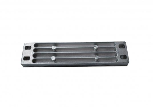 Passende Anode für Yamaha und Mariner Außenborder. Erhältlich in Zink, Aluminium und Magnesium. Original Teilenummer: 6AW45251-1.
