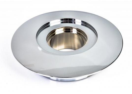 Für die Ankerwinde FALKON, bieten wir Ihnen das Oberteil der Trommel an. Material aus bronze verchromt.