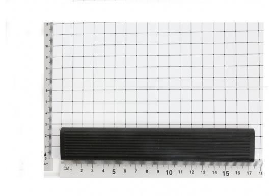 Originales Antirutschprofil für die Badeleiterstufen Ihrer Yacht von BAVARIA.   Material: Kunststoff  Abmessungen: ca. 175 x 27 mm   (Bild 4 von 4)