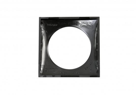 Passender Abdeckrahmen für Ihre BAVARIA Steckdosen an Bord. Abmessungen: 59,5 x 59,5 mm. Farbe: schwarz. (Bild 2 von 3)