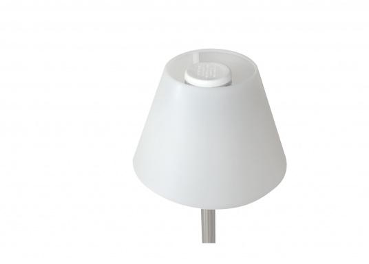 Die originale Schirmlampe von Bavaria überzeugt durch die Funktion, dass die Stange aus rostfreien Edelstahl in der Höhe verstellbar ist. Die Lampe ist ideal für Ihre Tisch- oder Cockpitbeleuchtung geeignet. Spannung: 12 V. (Bild 2 von 4)