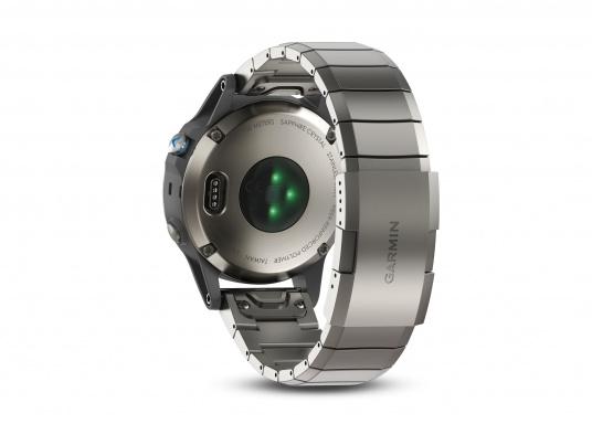 La Smartwatch Garmin QUATIX 5 Edition Saphir est conçue spécialement pour la navigation. (Image 4 de 6)