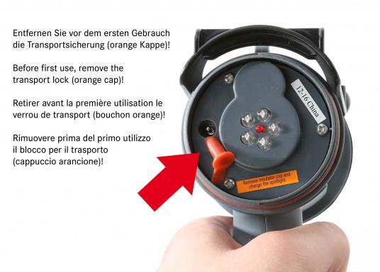 Der Handscheinwerfer CARY von aqua signal überzeugt mit einer Leuchtkraft von 350 Lumen und erreicht Leuchtweiten von bis zu 360 Meter! Die innere Elektronik wird vom robusten, wasserdichten (IP67) Gehäuse geschützt. (Bild 5 von 20)