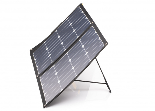 This foldable solar module with charge controller stands out amongst the rest with its high energy yield in the smallest of spaces. Its low weight of only 1.6 kg allows also for easy transport. (Afbeelding 2 of 16)