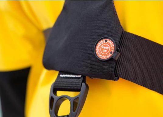Ultraleichte und kompakte Automatikweste, speziell für Sportsegler und Motorbootfahrer in küstennahen Gebieten und im Hochseebereich. (Bild 11 von 17)