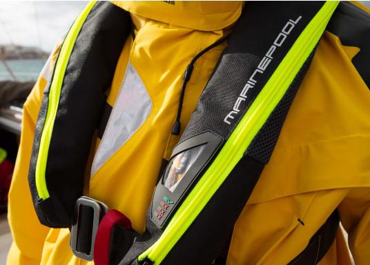 Ultraleichte und kompakte Automatikweste, speziell für Sportsegler und Motorbootfahrer in küstennahen Gebieten und im Hochseebereich. (Bild 12 von 17)