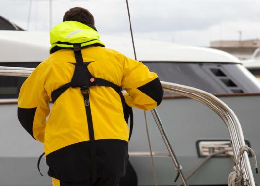 Ultraleichte und kompakte Automatikweste, speziell für Sportsegler und Motorbootfahrer in küstennahen Gebieten und im Hochseebereich. (Bild 16 von 17)