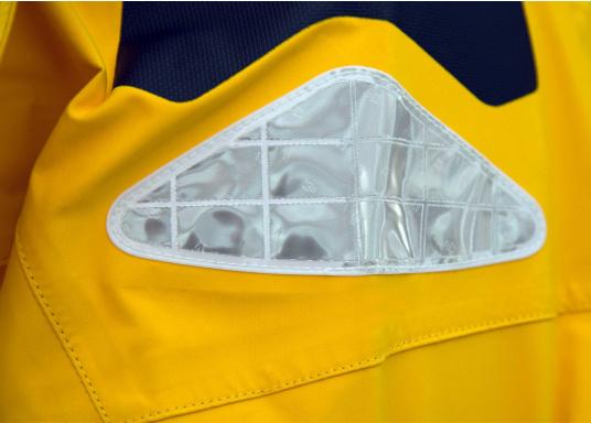 Die hochwertige Offshore-Segeljacke MANDURAH OCEAN besteht aus einem 3-Schicht-Gewebe mit XPU Membran. Material: Außen & Innen: 100 % Polyamid, Membrane: 100 % Polyurethan. (Bild 21 von 21)