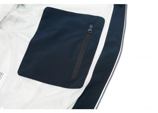 Der SEATEC Club Blouson Sport in klassischem Navy-Blau ist ein echter Hingucker für Sie und Ihn. Durch die farbig abgesetzten Streifen an Bündchen nd Reißverschlüssen wirkt der Blouson sportlich und maritim. (Bild 10 von 14)