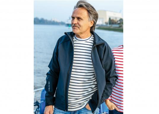 Die sportliche SEATEC Softshell-Jacke ist atmungsaktiv und bietet hohen Tragekomfort. Das Außenmaterial ist wind- und wasserabweisend. (Bild 3 von 11)