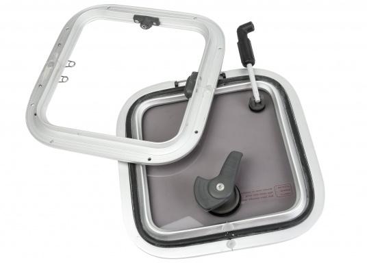 Original BAVARIA Aluminium OPAL T10 Decksluke mit grauen Acrylglas. (Bild 2 von 2)