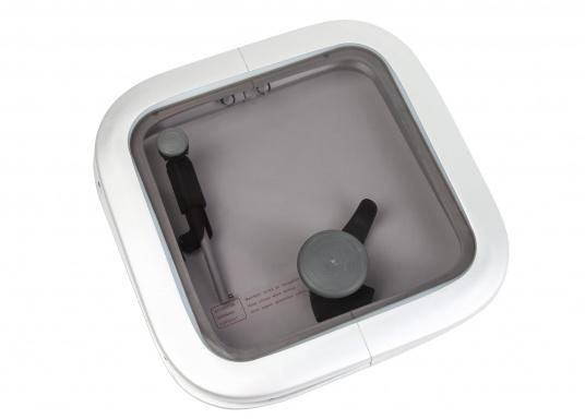 Original BAVARIA Aluminium OPAL T10 Decksluke mit grauen Acrylglas.
