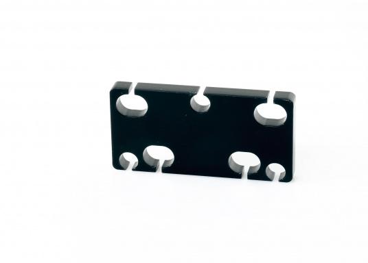 Originaler Schiebedach-Gleiter (Zwischenplatte 6, kurz, hinten) für Ihre Yacht von BAVARIA. Die Abmessungen betragen 80 x 40 x 7,5 mm.
