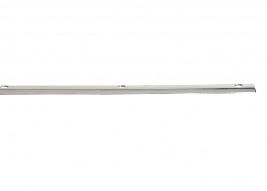 Passend für Ihre Yacht von BAVARIA finden Sie hier die originale, vorgebohrte Scheuerleiste aus Edelstahl. Länge: 3,66 m. Profil: halbrund.  (Bild 2 von 2)