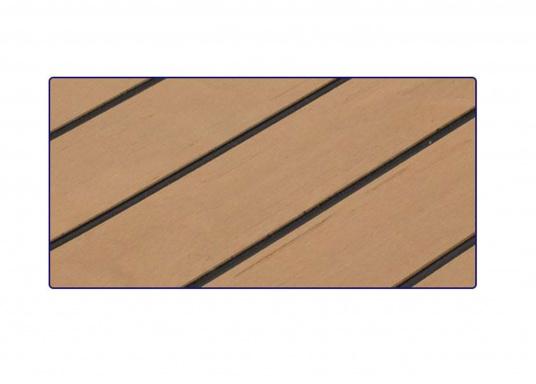 Hochwertiger Antirutsch-Belag, hergestellt aus einem Gummi- / Kork-Verbundwerkstoff in hochwertiger Teak-Optik.  (Bild 3 von 5)