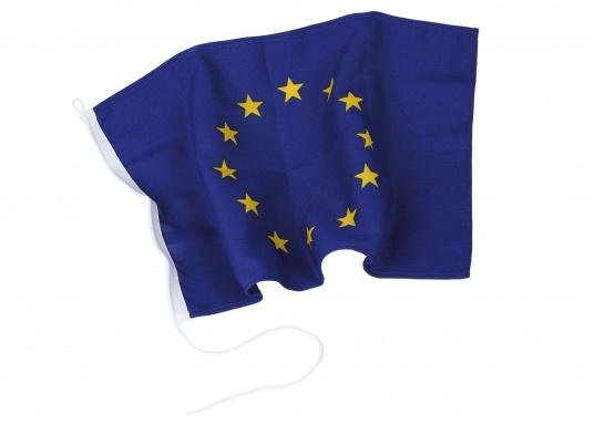 EU flag made of sturdy, UV-resistant polyester. Can be washed at 95°C. Size: 30 x 45 cm.