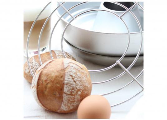 Passendes Backrost / Aufbackgitter für den Omnia Miniofen. Ideal um Brötchen aufzuwärmen, die Wärme wird gleichmäßig gehalten. (Bild 4 von 4)