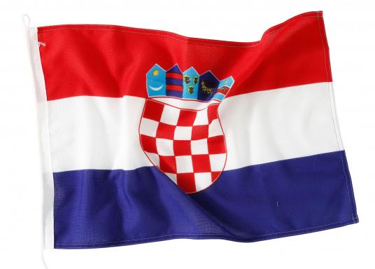 Robuste Nylon-Flaggen mit offiziellem Landesflaggen-Druck: Kroatien. Hochwertige Verarbeitung mit 100%-Durchdruck, schnelle und einfache Befestigung.Ideal für die Verwendung als Länder- und Gastlandflagge.