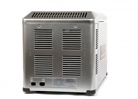This unique compressor cooler designed for mobile use is particularly powerful and robust.  (Image 5 of 9)