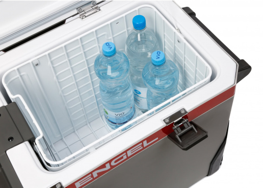 The ENGEL MR040 cooler is equipped with a powerful compressor for all types of applications. (Image 5 of 14)