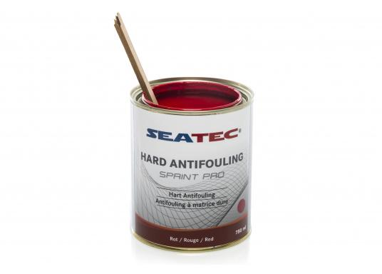 Highly effective, universal hard antifouling for sailing yachts, dinghies, motor yachts, as well as fast motor boats in areas with medium fouling conditions. It is suitable for use in fresh, salt and brackish waters as well as in the Mediterranean area (exception: SPRINT PRO Dover White). (Image 2 of 5)