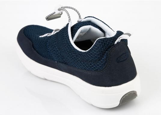Ein superleichter Boots-Sneaker mit der Gummi Grip Sohlen Technologie von LIZARD bietet hervorragenden Halt auf jeder Oberfläche. Material: Mesh, Mikrofaser. Farbe: blau (Bild 5 von 13)