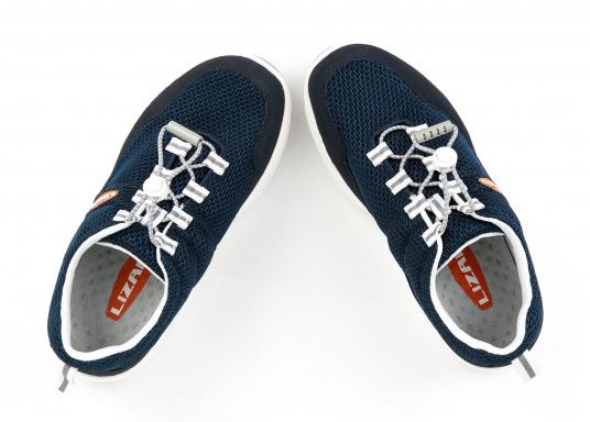 Ein superleichter Boots-Sneaker mit der Gummi Grip Sohlen Technologie von LIZARD bietet hervorragenden Halt auf jeder Oberfläche. Material: Mesh, Mikrofaser. Farbe: blau (Bild 4 von 13)