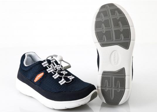 Ein superleichter Boots-Sneaker mit der Gummi Grip Sohlen Technologie von LIZARD bietet hervorragenden Halt auf jeder Oberfläche. Material: Mesh, Mikrofaser. Farbe: blau (Bild 6 von 13)
